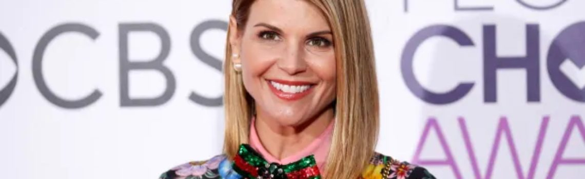 Lori Loughlin dropped by TV network as students sue colleges in U.S. admissions scam | CBC News