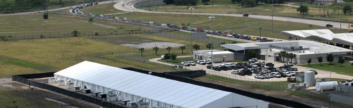 Migrant families being flown to San Diego from Texas in U.S. border crisis